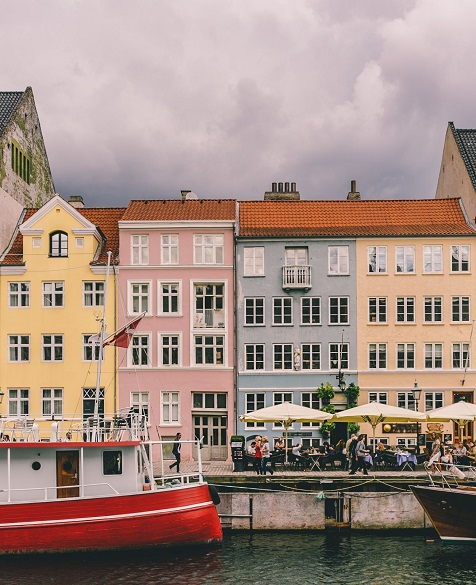 colorful houses in Nyhavn