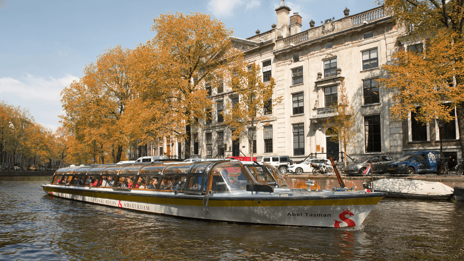 Autumn in Amsterdam - cruise.png