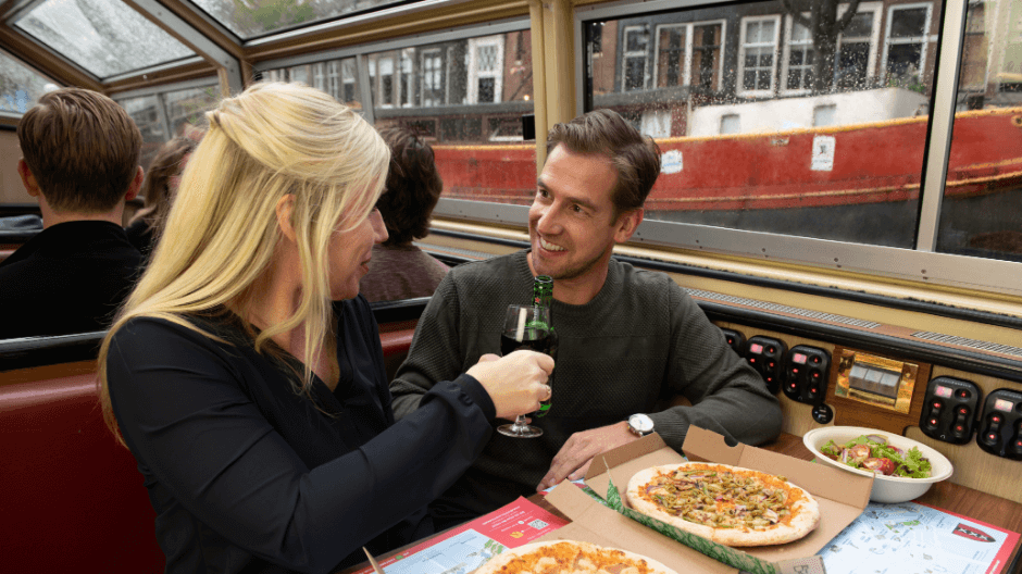 Valentijn Amsterdam - Pizza cruise.png