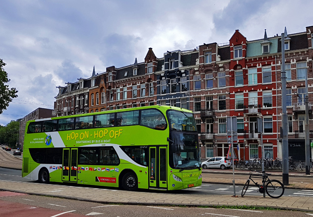 hop on hop off bus ultimate sightseeing in amsterdam. Black Bedroom Furniture Sets. Home Design Ideas