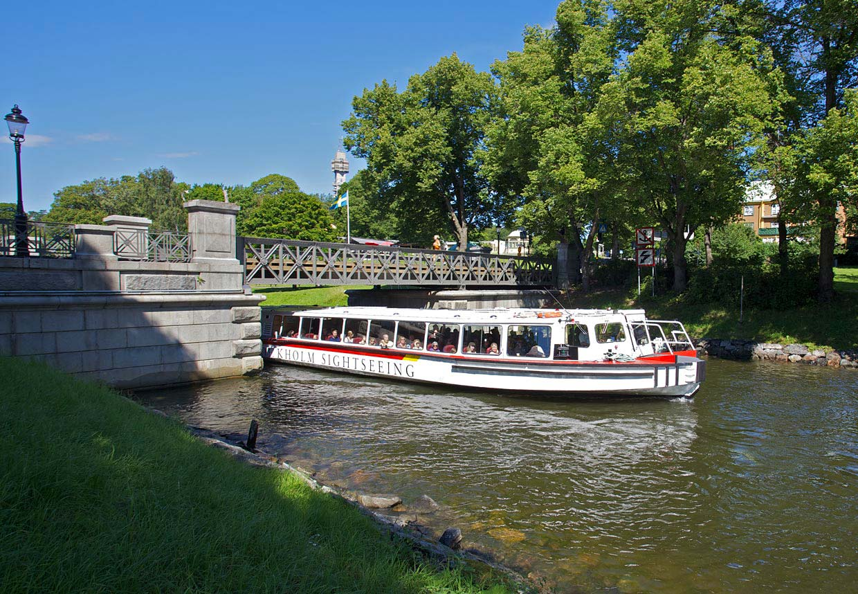 Boat Sightseeing Stockholm Guided Tours Hop OnHop Off - Stockholm tours from cruise ships