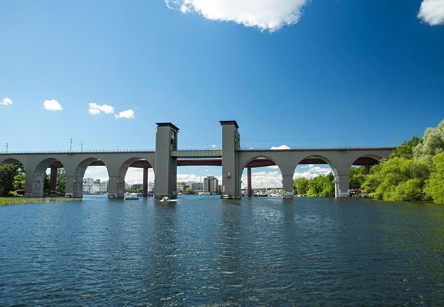 Under stockholms broar rabatt